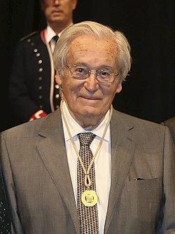 Oriol Bohigas, guardonat amb la Medalla d'Or de la Generalitat de Catalunya.jpg