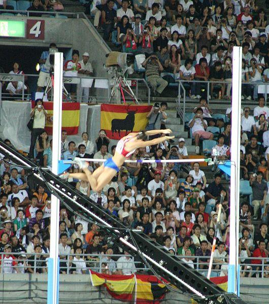 Datei:Osaka07 D4A Isinbayeva 4m80 jump.jpg