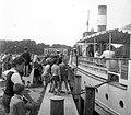 Osztálykirándulás, kikötő, beszállásra készülve. Ifjúgárda csavargőzös, 1954. Fortepan 8050.jpg