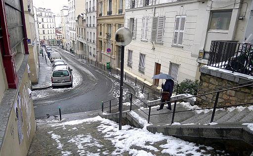 P1160105 Paris XIX rue de l'Equerre rwk