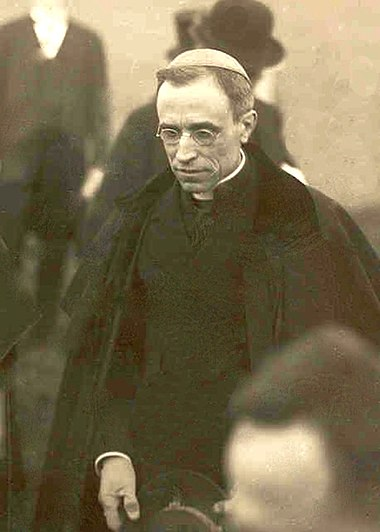 E. Pacelli--1922--Nuncio to Germany PacelliBavaria1922a.JPG