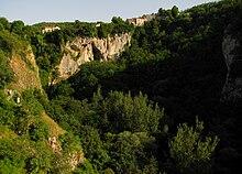La foiba di Pisino, in Istria, che fece parte dell'Italia dal 1920 al 1947