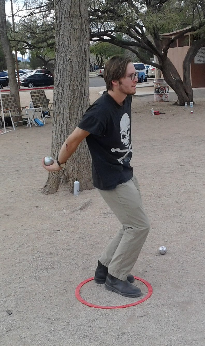 Petanque - throwing from the circle