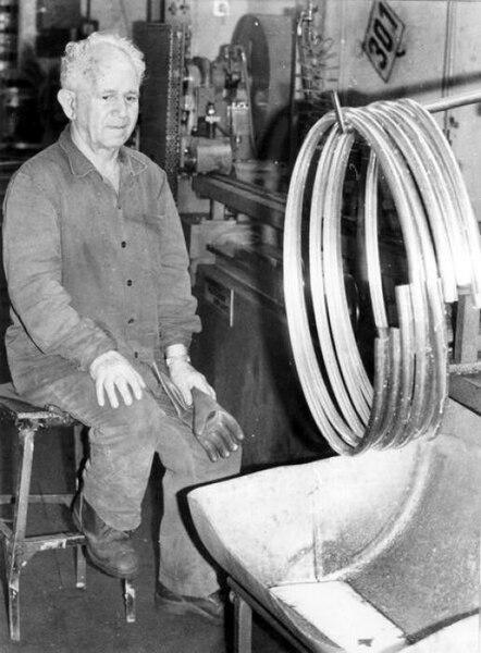 עבודה במפעל