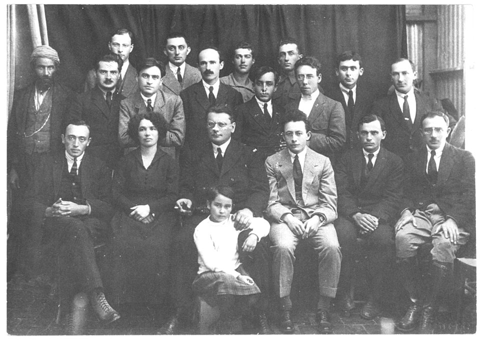 Pinchas Rutenberg and his employees, 1920