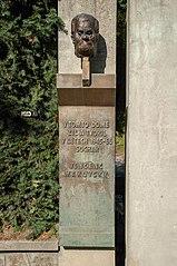 pamětní deska s plaketou Vincence Makovského