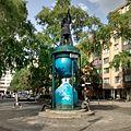 Plastik-Admiral-mit-Doppelgaenger-Ludmila-Seefried-Matejkova-Wikileaks-Logo-Admiralstr-Kohlfurter-Str-Berlin-Kreuzberg-Mai-2016.jpg