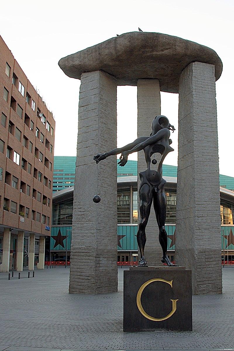 Plaza de Dalí.jpg