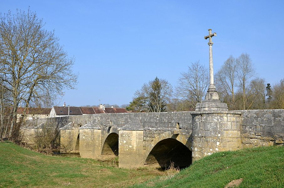 Bridge over the river Armançon in the town of Cry, Bourgogne, France