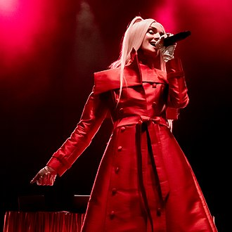Poppy (entertainer) - Poppy performing at The Wiltern during her Am I a Girl? Tour