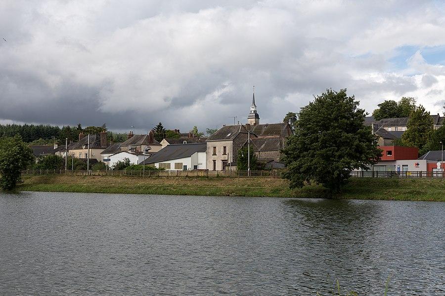 L'étang de la Forge à Port-Brillet.