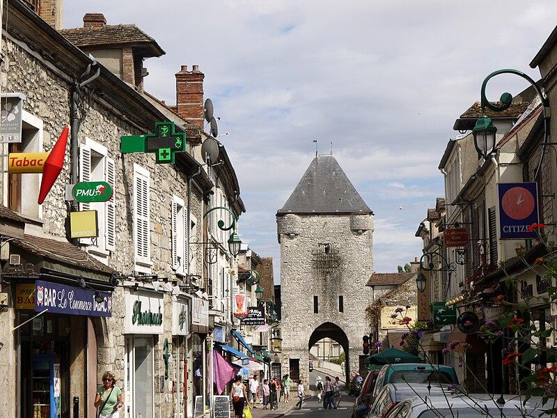 Fichier:Porte de Bourgogne a Moret sur Loing P1050452.JPG