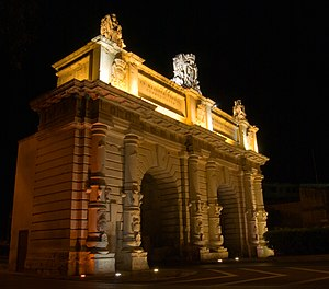 Porte des Bombes - The gate at night