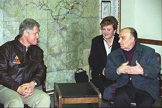Alija Izetbegović - US President Bill Clinton meeting with Izetbegović in Tuzla, Bosnia, 1997