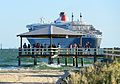 Queen Mary 2 in Port Melbourne (12585480534).jpg