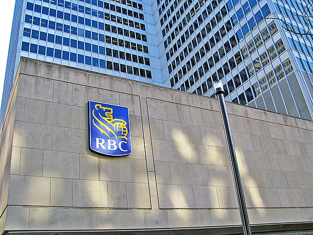 RBC by Henrickson at English Wikipedia [CC BY-SA 3.0 (https://creativecommons.org/licenses/by-sa/3.0) or GFDL (http://www.gnu.org/copyleft/fdl.html)], from Wikimedia Commons