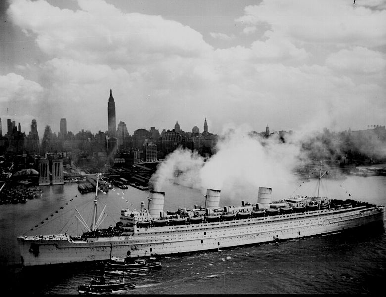 http://upload.wikimedia.org/wikipedia/commons/thumb/4/48/RMS_Queen_Mary_in_New_York_Harbor_during_World_War_II.jpg/780px-RMS_Queen_Mary_in_New_York_Harbor_during_World_War_II.jpg