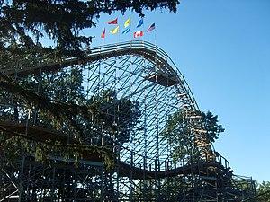 Ravine Flyer II - The Ravine Flyer II's lift hill.