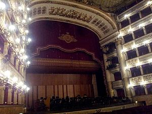 Neapolitan School - Image: Real Teatro San Carlo Naples 14