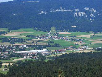 Loveresse - Loveresse village (center) and surrounding municipalities