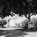 Rehovot Weizmann Institute een van de gebouwen op het terrein van het instituu, Bestanddeelnr 255-3892.jpg