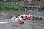 Rescue Team Searching Crashed B-22816 in Keelung River 20150204g.jpg