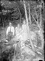 Retrat d'una parella i una nena al bosc (AFCEC RIBASV C 2540).jpeg