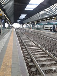 Rho Fiera Milano train station 02.jpg