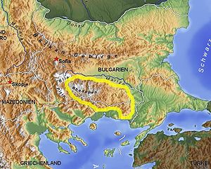 Thrace - The physical–geographical boundaries of Thrace: the Balkan Mountains, the Rhodope Mountains and the Bosporus. The Rhodope mountain range is highlighted.