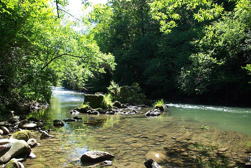 File:Rivière d'Alas 2.jpg