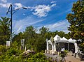 Roxham Road at US-Canadian border, Champlain, NY–Lacolle, QC.jpg
