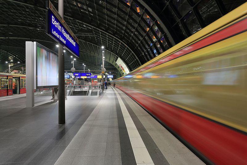 File:S-Bahn at Hauptbahnhof Berlin.JPG