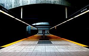 San Bruno station (BART) - The boarding platform of the San Bruno BART station