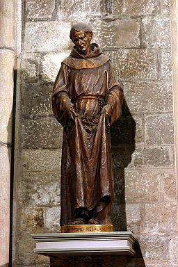 https://upload.wikimedia.org/wikipedia/commons/thumb/4/48/San_Pedro_Regalado_-_Santa_Maria_del_Pi_-_Barcelona_2014.JPG/256px-San_Pedro_Regalado_-_Santa_Maria_del_Pi_-_Barcelona_2014.JPG