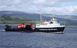 MV Saturn arriving at Gourock in May 2009