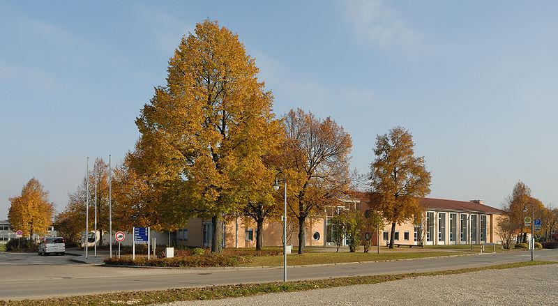 File:Schlossberghalle Dettingen-Teck (2009).jpg
