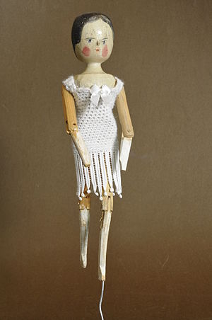 Peg wooden doll - Image: Second dressed dutch doll Gröden