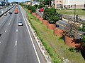Serpentine wall next to Mass Pike, August 2018.JPG