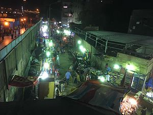 Shubra El Kheima - Front bazaar of the Shubra el-Kheima train station