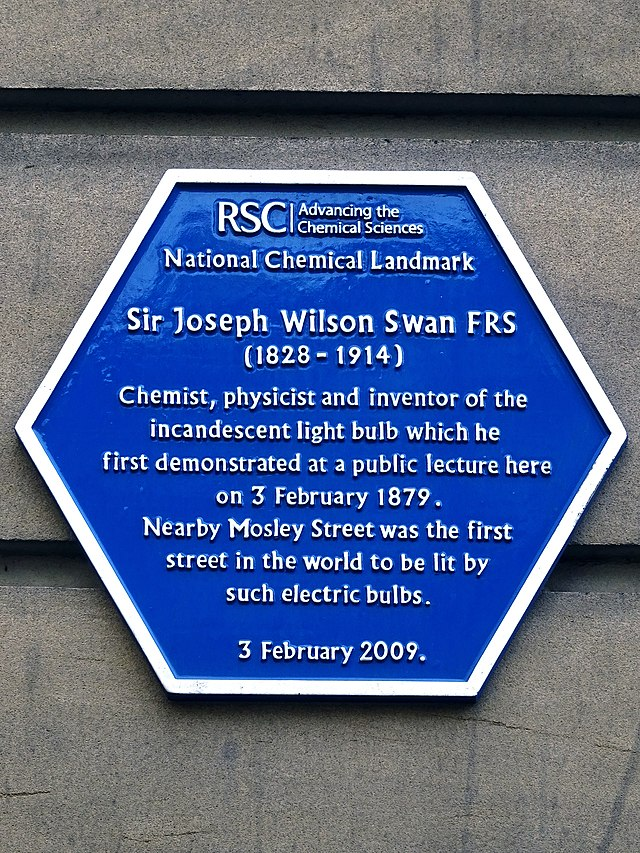 Photo of Joseph Swan blue plaque