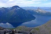 Sjunkfjorden seen from Sørskarfjellet.jpg