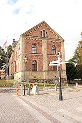 Fil:Skara stift- och landsbibliotek höger sida.JPG