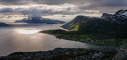 How to get to Skulsfjord with public transit - About the place