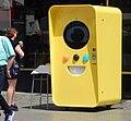 Snapchat Vending machine in Berlin in June 2017 01.jpg