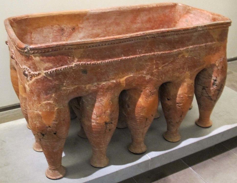 Souttoukeny, sarcofago da una sepoltura megalitica, II sec. ac..JPG