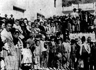Spanish Americans - Spanish children from the SS Heliopolis after arriving in Hawaii.