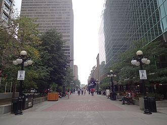 Sparks Street - Large sidewalks in Sparks Street.