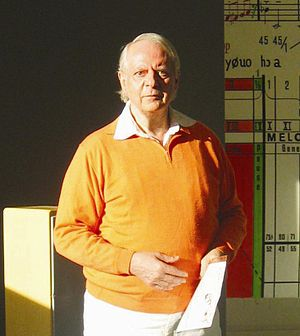 Inori (Stockhausen) - Karlheinz Stockhausen standing in front of the form scheme of Inori, March 2005