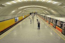 Stacja metra Wierzbno 2015