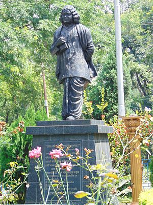 Paschim Bardhaman district - Image: Statue of Kazi Nazrul Islam, Asansol